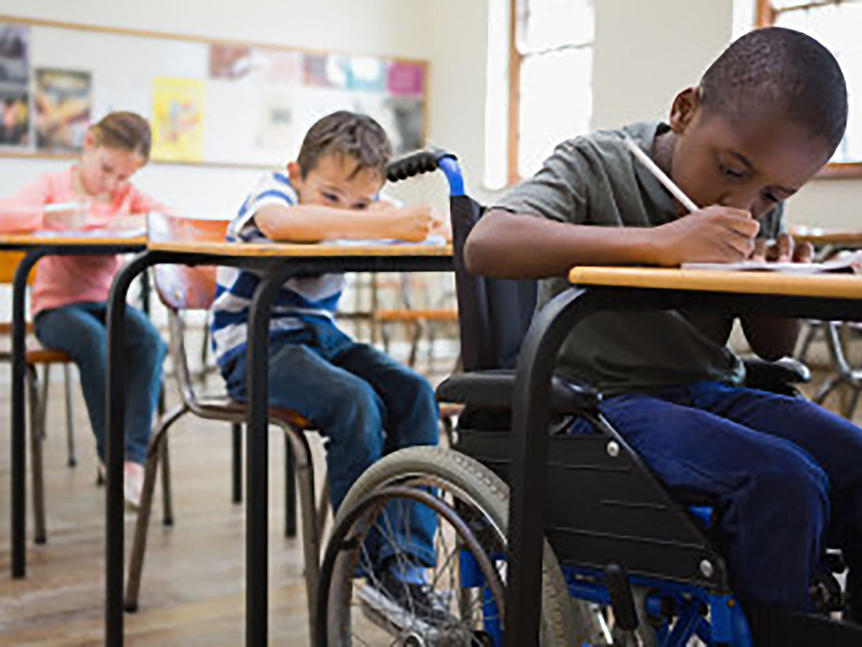 Setembro Verde: Brasil tem legislação avançada para inclusão da pessoa com deficiência, mas preconceito persiste